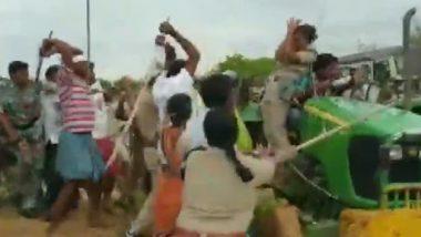 तेलंगाना में TRS कार्यकर्ताओं का पुलिस टीम पर हमला, महिला पुलिसकर्मी और वन विभाग के कर्मचारियों को लाठियों से पीटा, देखें वीडियो