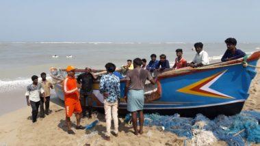 Cyclone Vayu: तूफान वायु के पहले अलर्ट पर तीनों सेनाएं, 1.5 लाख से ज्यादा लोग सुरक्षित जगहों पर पहुंचाए गए