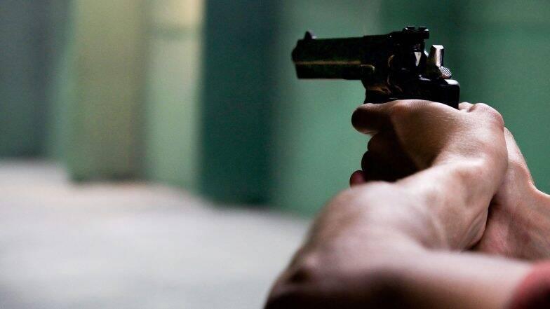 कश्मीर में में तैनात सीआरपीएफ के 33 वर्षीय सहायक कमांडर एम. अरविंद ने खुद को गोली मारकर की आत्महत्या