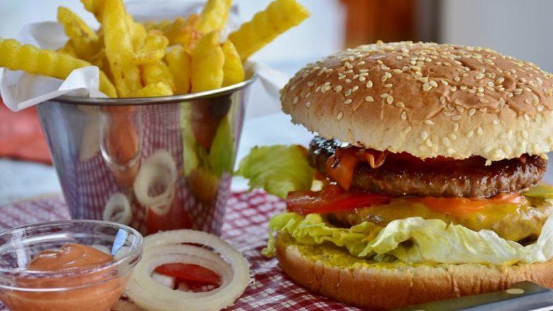 मोटापा बढ़ाती है खाने की ये चीजें, इनसे दूर रहने में ही है आपकी भलाई