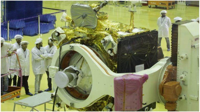 Chandrayaan 2: इसरो ने दिखाई चंद्रयान-2 की पहली झलक, जुलाई में होगा लॉन्च