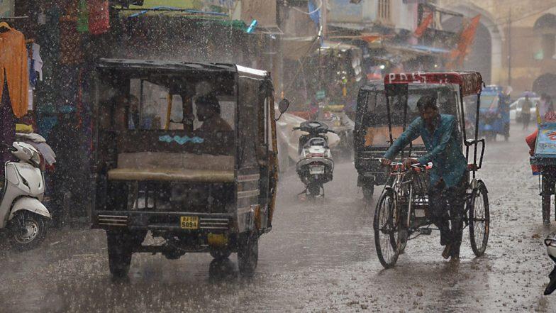 दिल्ली-NCR में झमाझम बारिश से मौसम हुआ सुहाना, इन राज्यों के लिए मौसम विभाग ने जारी किया अलर्ट