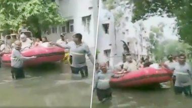 मुंबई: फायर ब्रिगेड ने 54 वर्षीय महिला को नाव से बचाया, पानी भरने की वजह से घर में बिना बिजली के फंसी थी अस्थमा पीड़िता