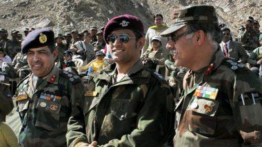 एमएस धोनी ने कश्मीर में सैनिकों के साथ खेला वॉलीबॉल, वीडियो वायरल