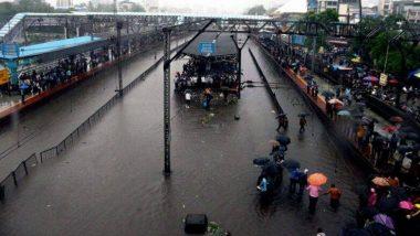 मुंबई में भारी बारिश: मध्य रेलवे ने 5 ट्रेनों को किया रद्द, 6 को डायवर्ट