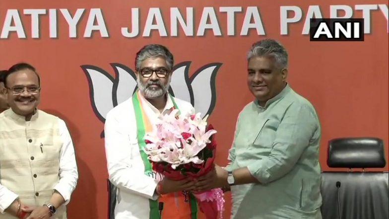 पूर्व प्रधानमंत्री चंद्रशेखर के बेटे नीरज शेखर बीजेपी में हुए शामिल, भूपेंद्र यादव ने पुष्प गुच्छ से किया स्वागत