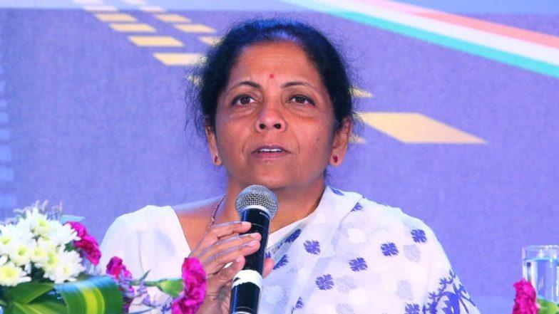 वित्त मंत्री निर्मला सीतारमण ने कहा-कर्ज देने के लिए बैंकों, एनबीएफसी की 200 जिलों में होंगी खुली बैठकें