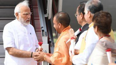 वाराणसी पहुंचे प्रधानमंत्री नरेंद्र मोदी, लाल बहादुर शास्त्री की प्रतिमा का किया अनावरण