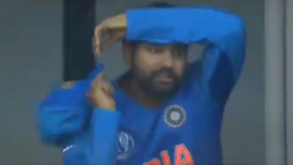 IND vs NZ, ICC CWC 2019 Semi-Final: हार के बाद रोहित शर्मा की आंखें हुई नम, देखें वीडियो
