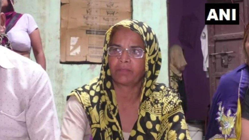 गाजियाबाद: दलित महिला को मंदिर जाने से रोका, पीड़िता ने लगाया धक्का-मुक्की का आरोप, जांच में जुटी पुलिस