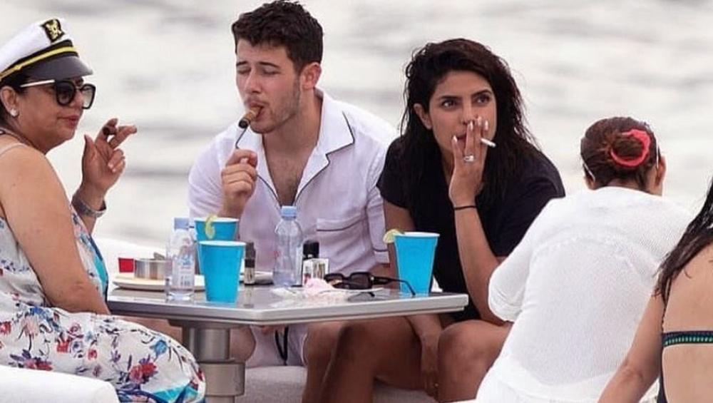 प्रियंका चोपड़ा परिवार के साथ पीती दिखीं सिगरेट तो लोगों ने पूछा- तुम्हारा अस्थमा ठीक हो गया?