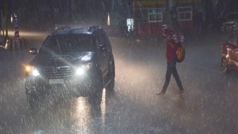 उत्तर प्रदेश में नम हवाओं से बढ़े बारिश के आसार, न्यूनतम तापमान 22 डिग्री सेल्सियस दर्ज