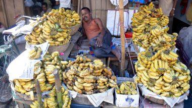 लखनऊ स्टेशन पर केले बेचने पर लगे प्रतिबंध को लेकर विक्रेताओं और यात्रियों ने जताया विरोध, हटाया गया बैन