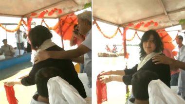 धरा से सदा के लिए अलविदा सुषमा स्वराज, बेटी बांसुरी स्वराज ने गंगा में अस्थियों का किया विसर्जन: देखें वीडियो
