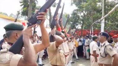 बिहार के पूर्व सीएम जगन्नाथ मिश्र को अंतिम सलामी देते वक्त धोखा दे गईं पुलिस की बंदूकें, देखें Video