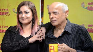 पूजा भट्ट ने आग प्रज्जवलित करने के लिए की पिता महेश भट्ट की तारीफ, सोशल मीडिया में शेयर किया एक वीडियो