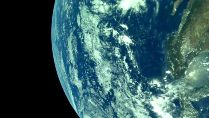 Chandrayaan 2 ने भेजी पृथ्वी की पहली तस्वीर, इसरो ने की शेयर, आप भी डालें एक नजर