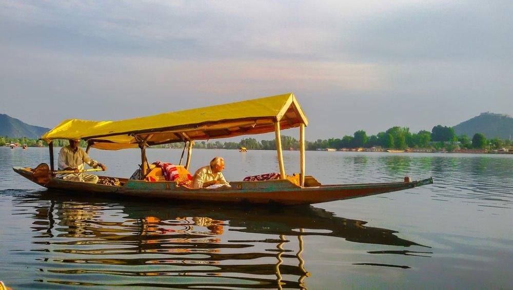 इन खासियतों की वजह से दुनिया भर में मशहूर है कश्मीर, जीवन में एक बार जरूर करें भारत के इस जन्नत की सैर