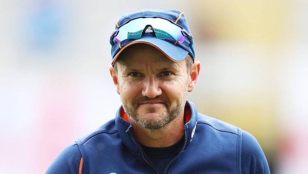 किंग्स इलेवन पंजाब के कोच पद से माइक हेसन ने दिया इस्तीफा, ट्विटर पर की क्लब से अगले होने की घोषणा