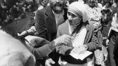 Mother Teresa Birth Anniversary 2019: लोगों की सेवा के लिए मदर टेरेसा ने किया अपना जीवन समर्पित, 109वीं जयंती पर उनके इन 10 अनमोल विचारों से आप भी लें प्रेरणा