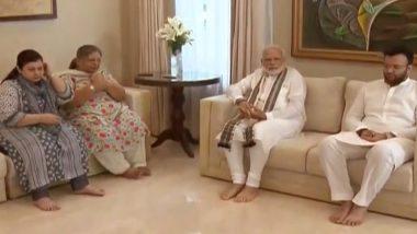 प्रधानमंत्री नरेंद्र मोदी ने दिवंगत अरुण जेटली के घर जाकर दी श्रद्धांजलि, परिवार से की मुलाकात