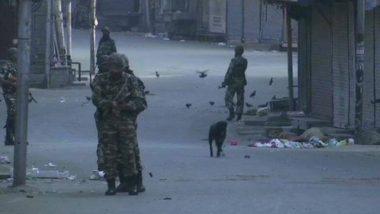 कश्मीर के त्राल में आतंकियों से मुठभेड़ में सैनिक घायल