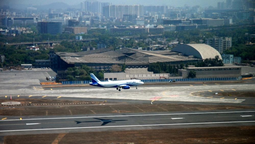 भारत और पाकिस्तान के बीच तनाव का दिखा असर, इस्लामाबाद में भारतीय विमानों के लिए 3 वायु मार्ग बंद