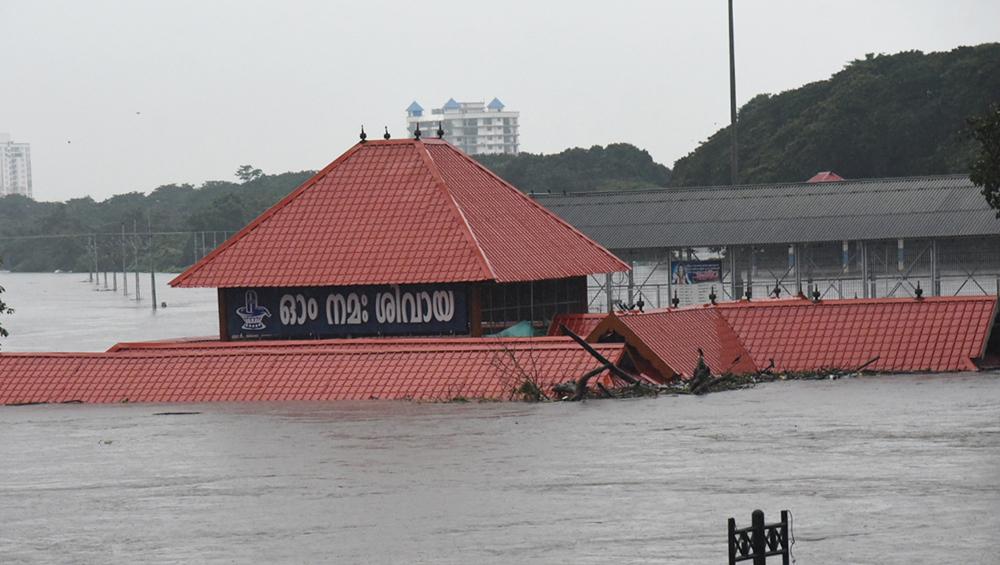 केरल में भारी बारिश से 22 लोगों की मौत, 22 हजार लोगों को किया गया रेस्क्यू - 9 जिलों के लिए 'रेड अलर्ट' जारी