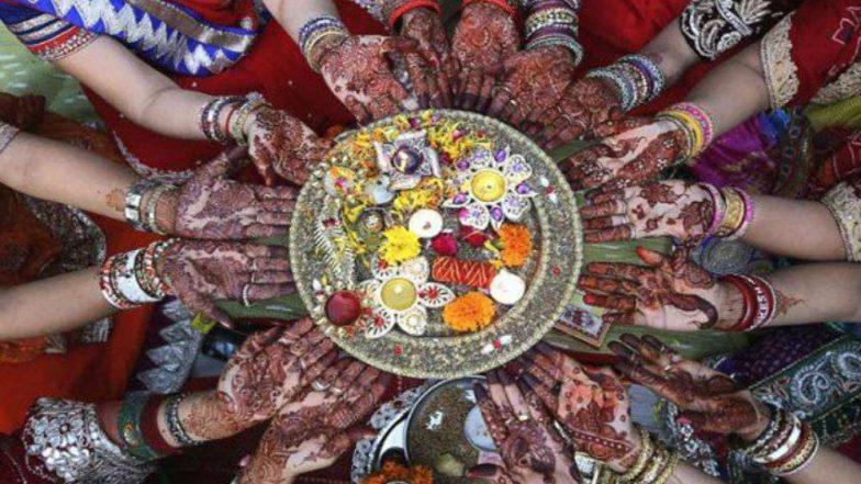 Kajari Teej 2019: अखंड सौभाग्य के लिए महिलाएं करती हैं कजरी तीज का व्रत, जानें शुभ मुहूर्त, कथा और पूजा विधि
