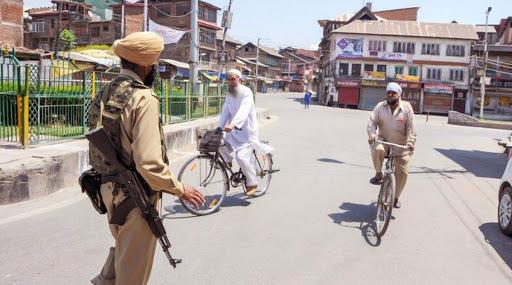 अमेरिका ने भारत से कहा- कश्मीर में प्रतिबंधों में दी जाए छूट