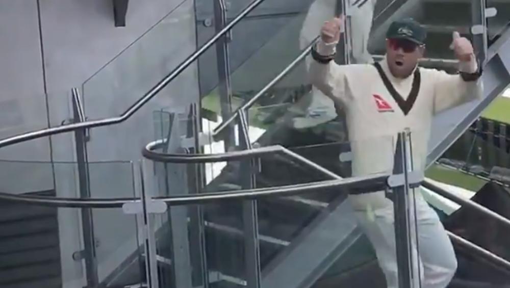 Ashes 2019, 4th Test: इंग्लैंड क्रिकेट फैंस द्वारा चीटर और गाली देने पर इस तरह डेविड वार्नर ने दिया जवाब, देखें वीडियो