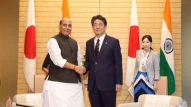 रक्षामंत्री राजनाथ सिंह पहुंचे जापान, टोक्यो में पीएम शिंजो आबे से की मुलाकात