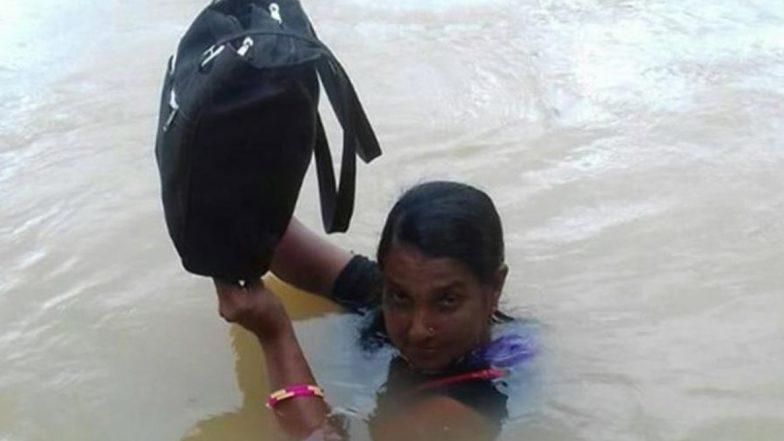 ओडिशा: स्कूल के बच्चों को पढ़ाने के लिए बिनोदिनी 11 साल से रोज करती हैं नदी पार