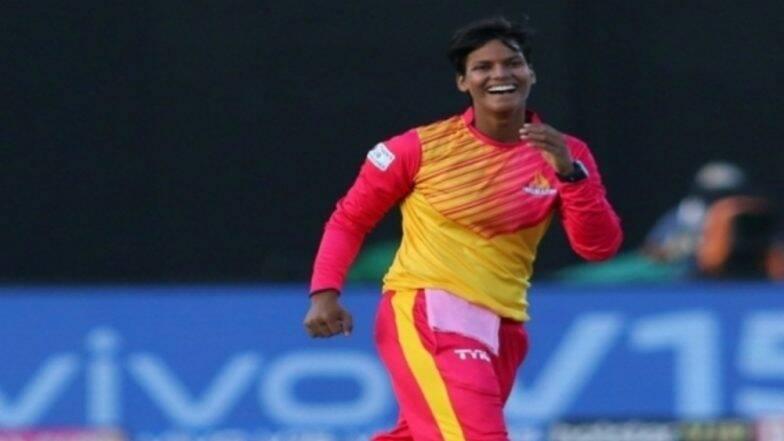 T20 क्रिकेट में तीन मेडन ओवर डालने वाली पहली भारतीय खिलाड़ी बनी दिप्ती शर्मा