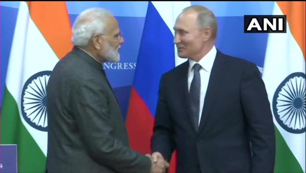रूस के राष्ट्रपति व्लादिमीर पुतिन ने पीएम नरेंद्र मोदी को 2020 के विजय दिवस समारोह में शामिल होने के लिए मॉस्को यात्रा का दिया आमंत्रण