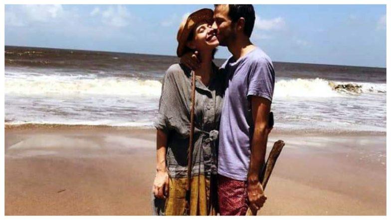 बॉलीवुड एक्ट्रेस कल्कि कोचलिन शादी से पहले प्रेग्नेंट, गोवा में पानी में बच्चे को जन्म देने की योजना