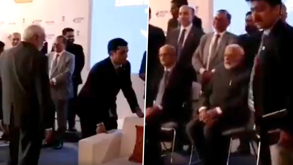 रूस प्रशासन ने पीएम मोदी के सम्मान में लगवाया सोफा, मगर पीएम सब के साथ बैठे कुर्सी पर, सादगी की हो रही है तारीफ: देखें वीडियो