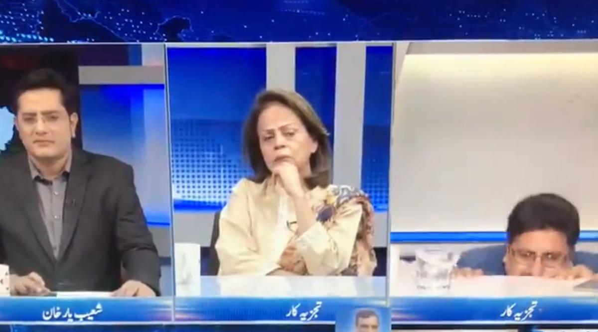 लाइव डिबेट के दौरान अपनी कुर्सी से गिरा पाकिस्तानी पैनलिस्ट, ट्विटर पर लोगों ने लिए खूब मजे