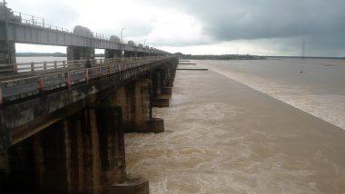 आंध्र प्रदेश: उफान पर गोदावरी नदी, तट के आसपास के गांव हुए जलमग्न- राज्य से कटा संपर्क