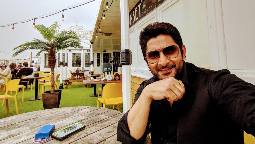 अभिनेता अरशद वारसी ने पाकिस्तान को किया ट्रोल, वीडियो देख आप भी नहीं रोक सकेंगे हंसी