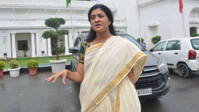 कांग्रेस की अंतरिम अध्यक्ष सोनिया गांधी से मुलाकात के कुछ दिनों बाद अलका लांबा ने आप को कहा अलविदा