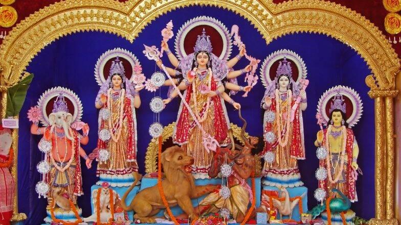 Navratri 2019: शारदीय नवरात्रि पर घोड़े पर सवार होकर आ रही हैं मां दुर्गा, शुभ या अशुभ जानिए कैसा होगा इसका प्रभाव