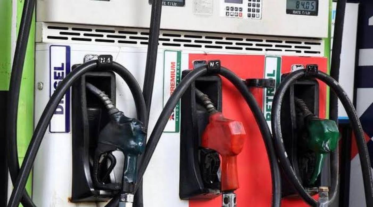 Petrol Diesel Price 29th September: पेट्रोल और डीजल के दाम दुसरे दिन भी स्थिर, जानें अपने प्रमुख शहरों के रेट्स