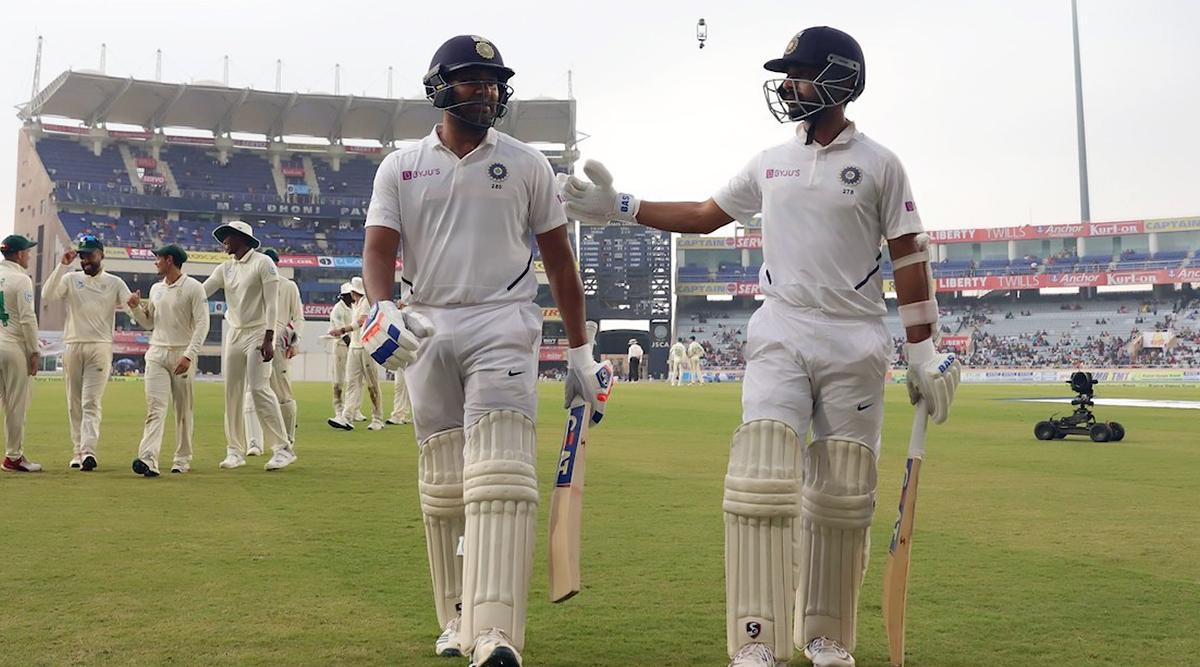 IND vs SA 3rd Test Match 2019: खराब रोशनी के कारण पहले दिन का खेल नहीं हो सका पूरा, रविवार को 30 मिनट पहले शुरू होगा खेल
