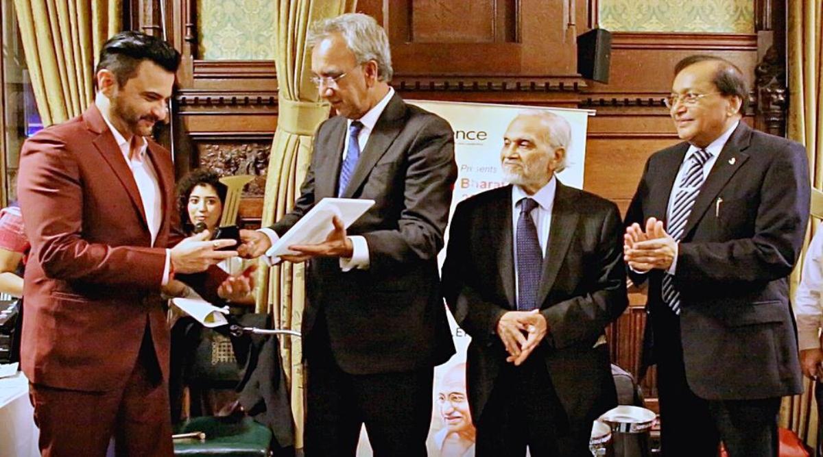अभिनेता संजय कपूर को ब्रिटेन के हाउस ऑफ कॉमन में किया गया सम्मानित