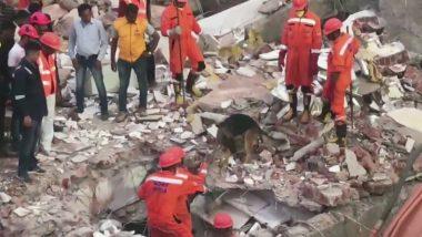 गुजरात: वडोदरा में जर्जर इमारत ढहने से 2 की मौत, 5 मजदूरों को मलबे से सुरक्षित बाहर निकाला गया