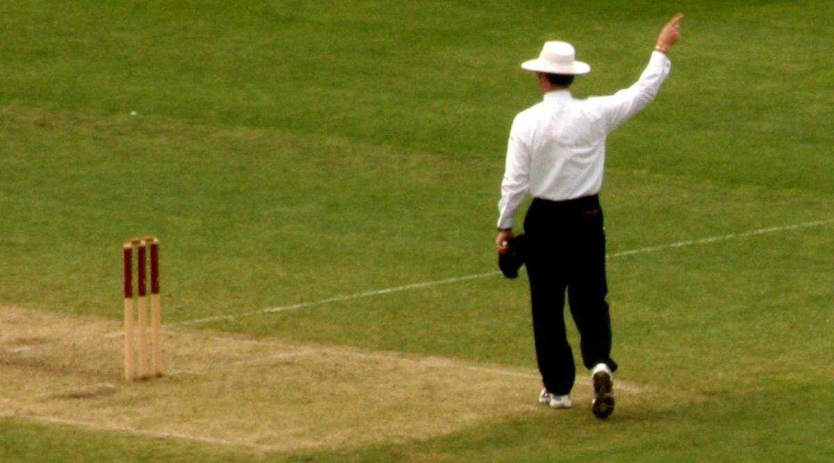 क्रिकेट मैच के दौरान पाकिस्तानी अंपायर की हुई मौत, ये थी वजह...