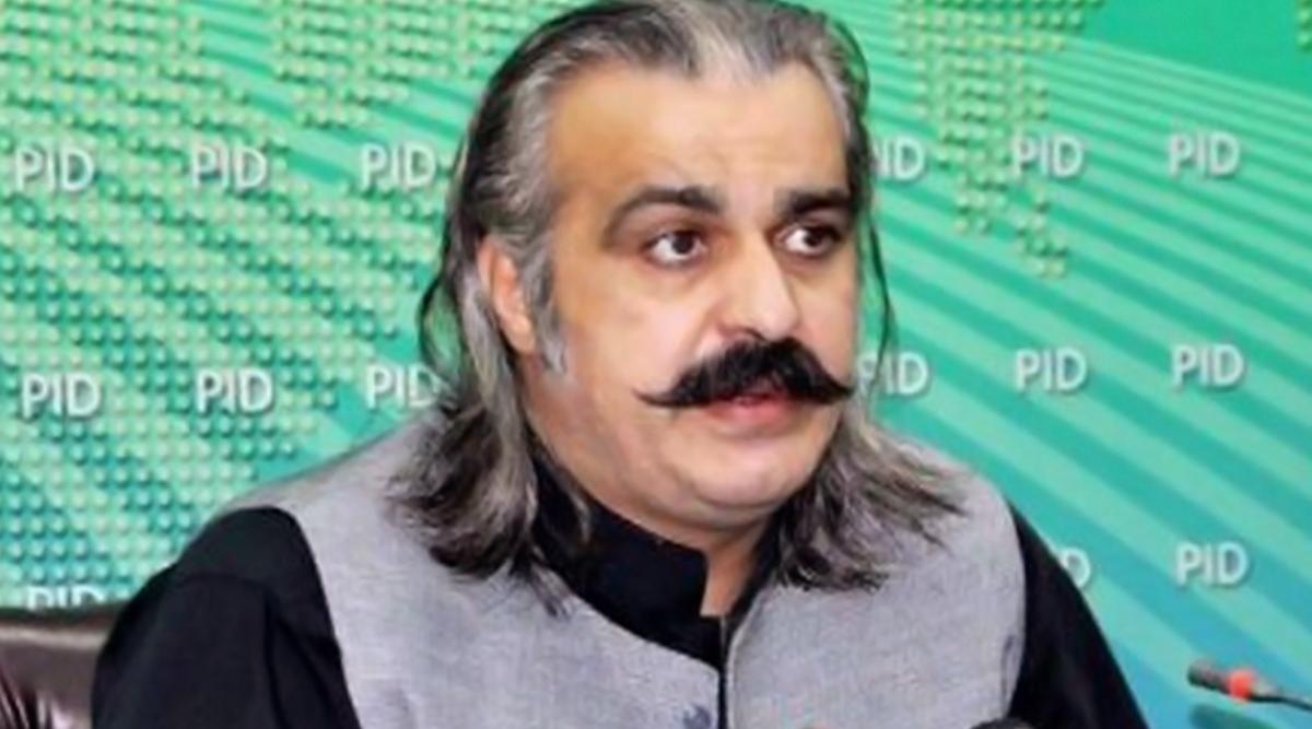 इमरान खान के मंत्री के बिगड़े बोल, कहा- पाकिस्तान करेगा भारत सहित उनके सहयोगी देश पर मिसाइल से हमला