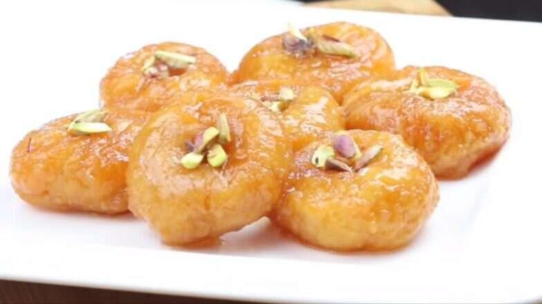 Balushahi Sweet For Diwali 2019: इस दिवाली घर पर ही बनाएं स्वादिष्ट बालूशाही, जानें सामग्री और विधि, देखें वीडियो