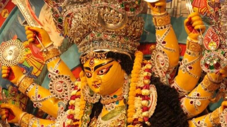 Durga Puja 2019: बुराई पर अच्छाई की जीत का प्रतीक है दुर्गा उत्सव, जानिए दुर्गा पूजा से जुड़ी खास बातें